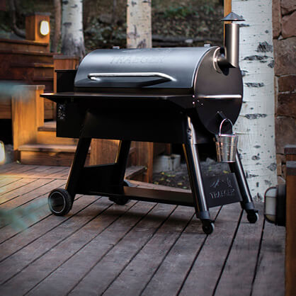Grills & Outdoor Living